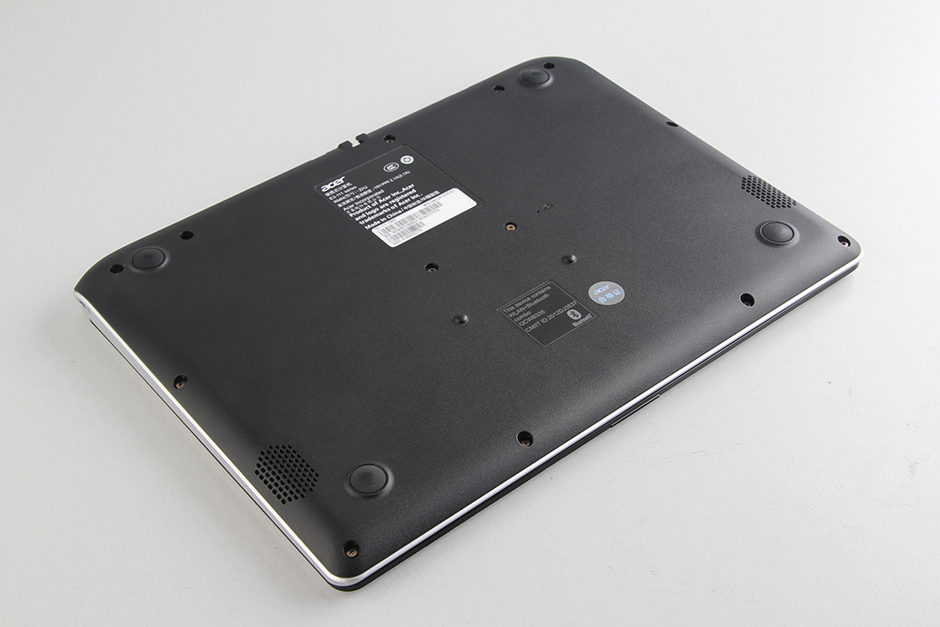 Acer Aspire E11 E3-111 Disassembly and RAM, HDD upgrade guide