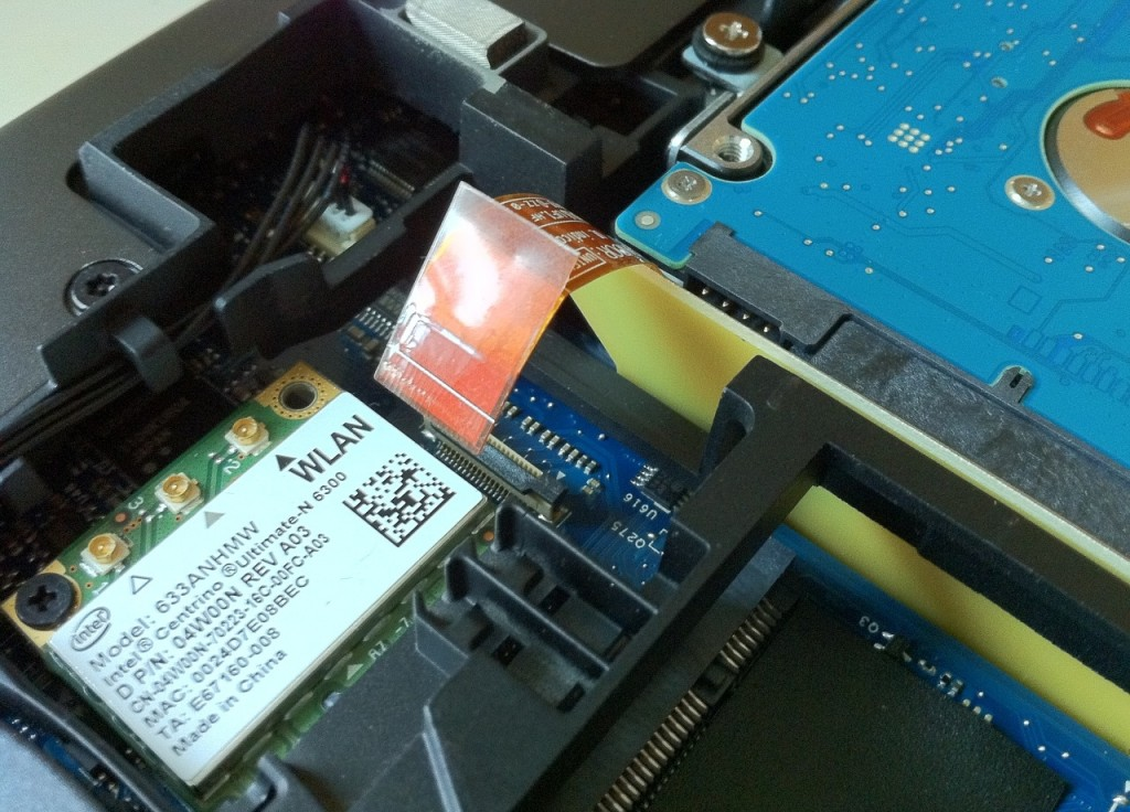 Dell-Alienware-M18x-Disassembly-11