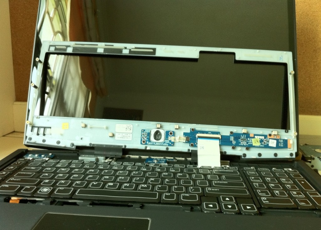 Dell-Alienware-M18x-Disassembly-16