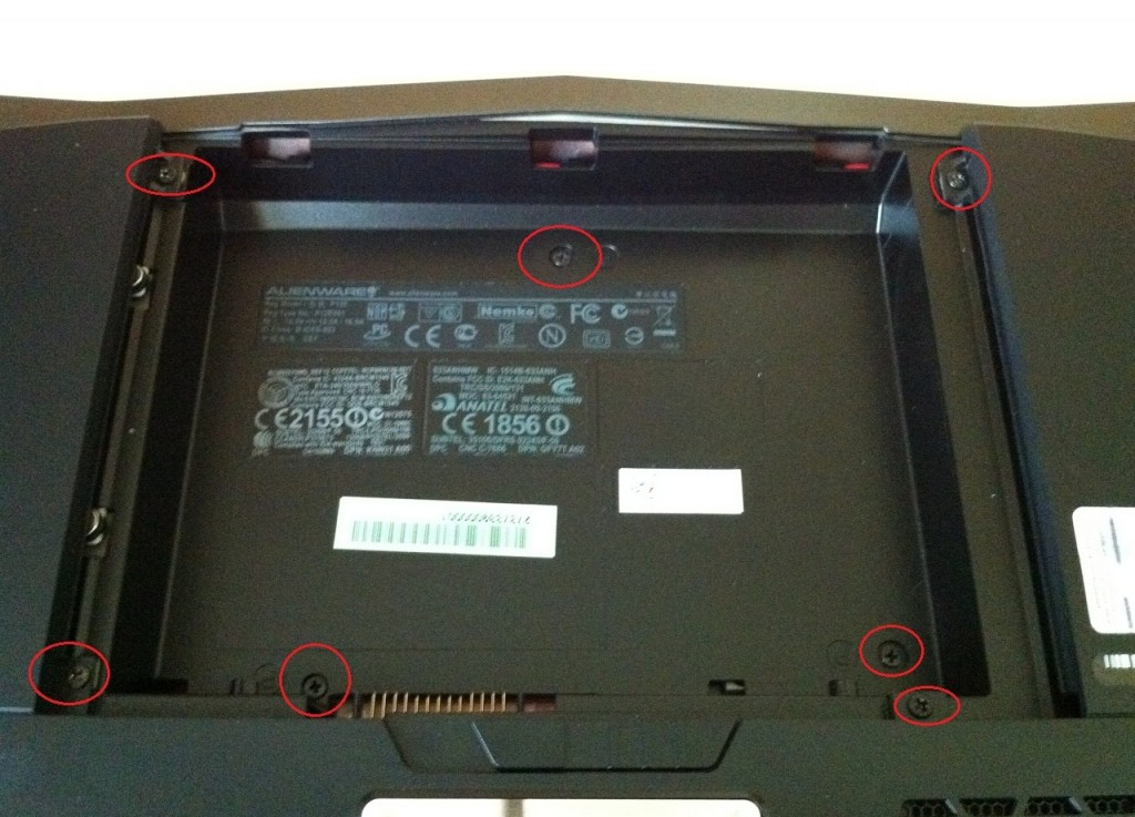 Dell-Alienware-M18x-Disassembly-2