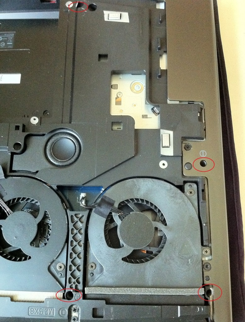 Dell-Alienware-M18x-Disassembly-7