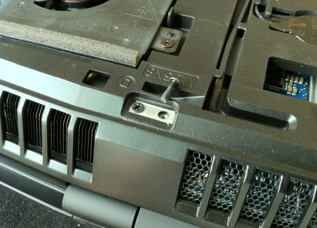 Dell-Alienware-M18x-Disassembly-8
