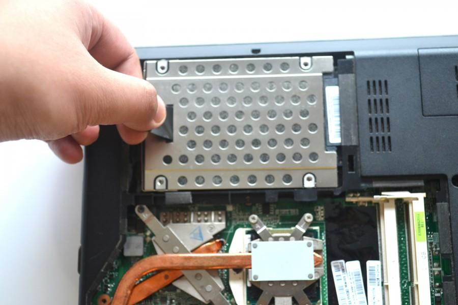 Lenovo-ThinkPad-Edge-E40-Disassembly-4