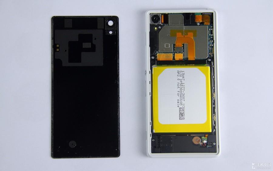 Sony-Xperia-Z2-Disassembly-5