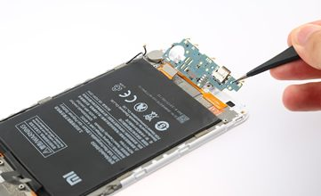 Photo of Xiaomi Mi Max 2 USB Type-C Board Removal & Replacement