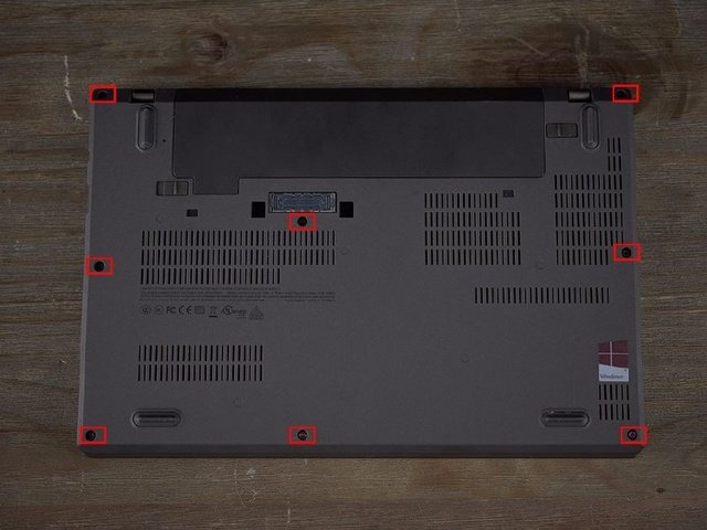 Lenovo ThinkPad X270 bottom