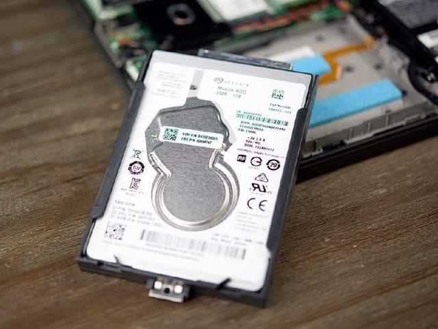 Lenovo ThinkPad X270 hard drive