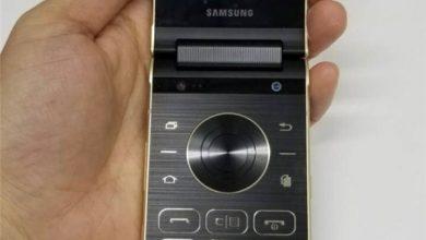 Samsung W2018 interior