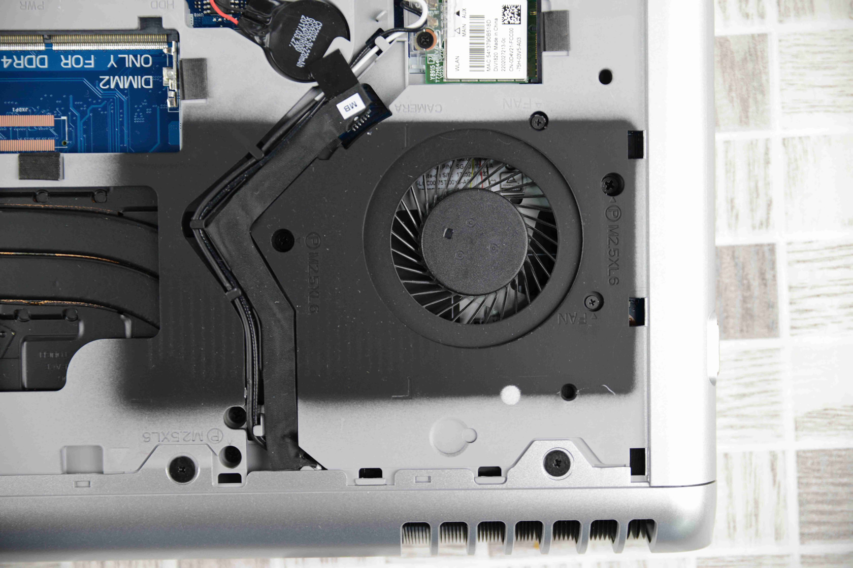 Dell Vostro 15 7570 cooling system