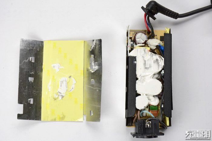 white thermal conductivity glue