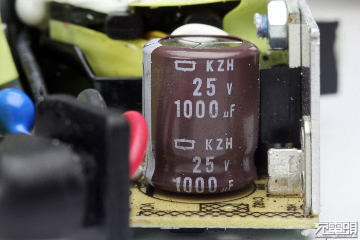 output filter capacitor