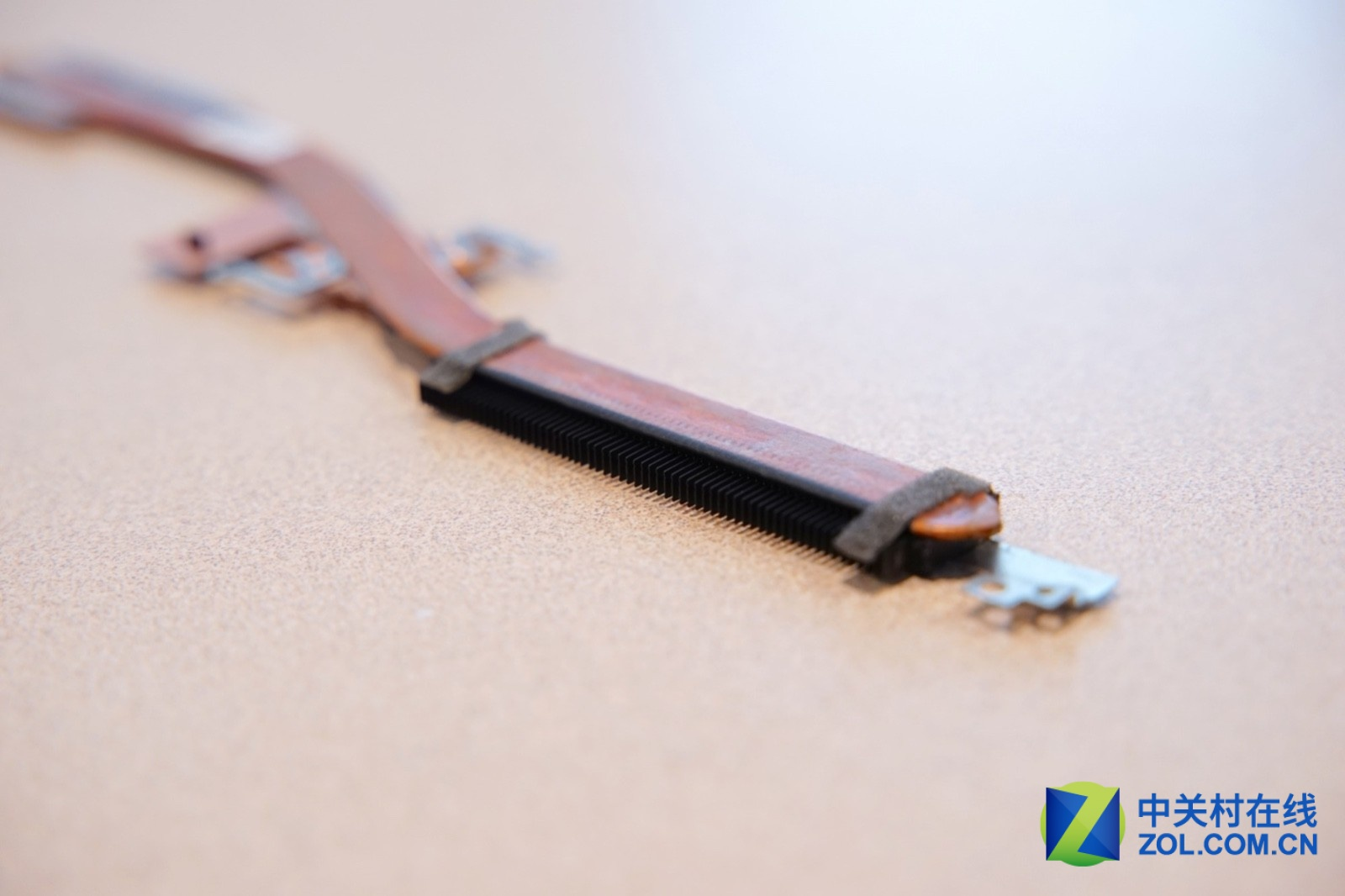 Asus ZenBook 14 UX433FA UX433FN Disassembly (RAM, SSD