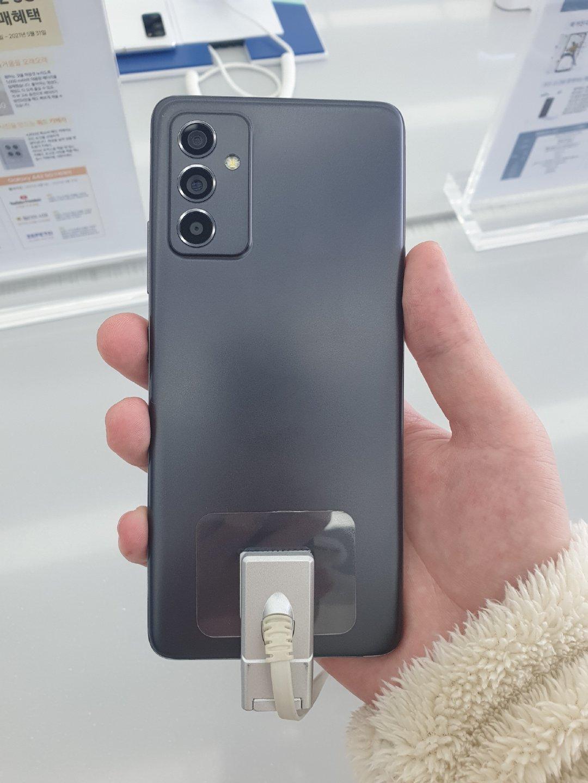 Galaxy A82 (1)